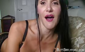 Butt3rflyforU - Mommy's Bed
