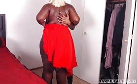 Darkwetdreemz - Ebony BBW Stepmom Stuck Zipper Part 1