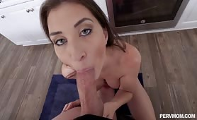 PervMom - Does This Make My Ass Look Big?