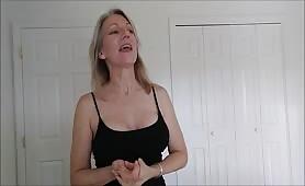 MoRina - Mommy Enjoys Sons Age Regression