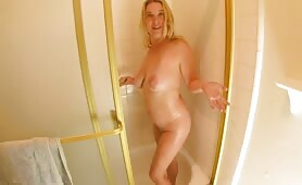 Erin Electra - Sexy Shower with Mom
